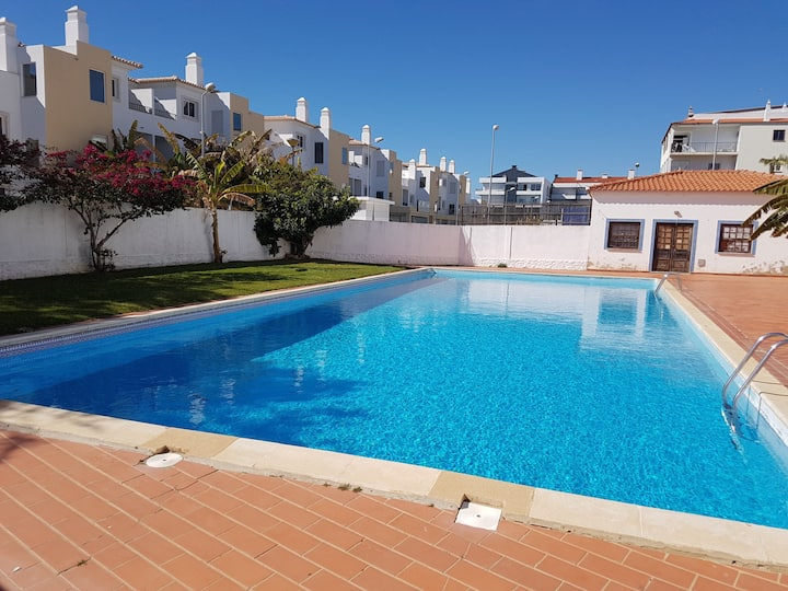 ♥ of Downtown Albufeira,✔Pool✔Balcony, ✔A/C, 6 p.