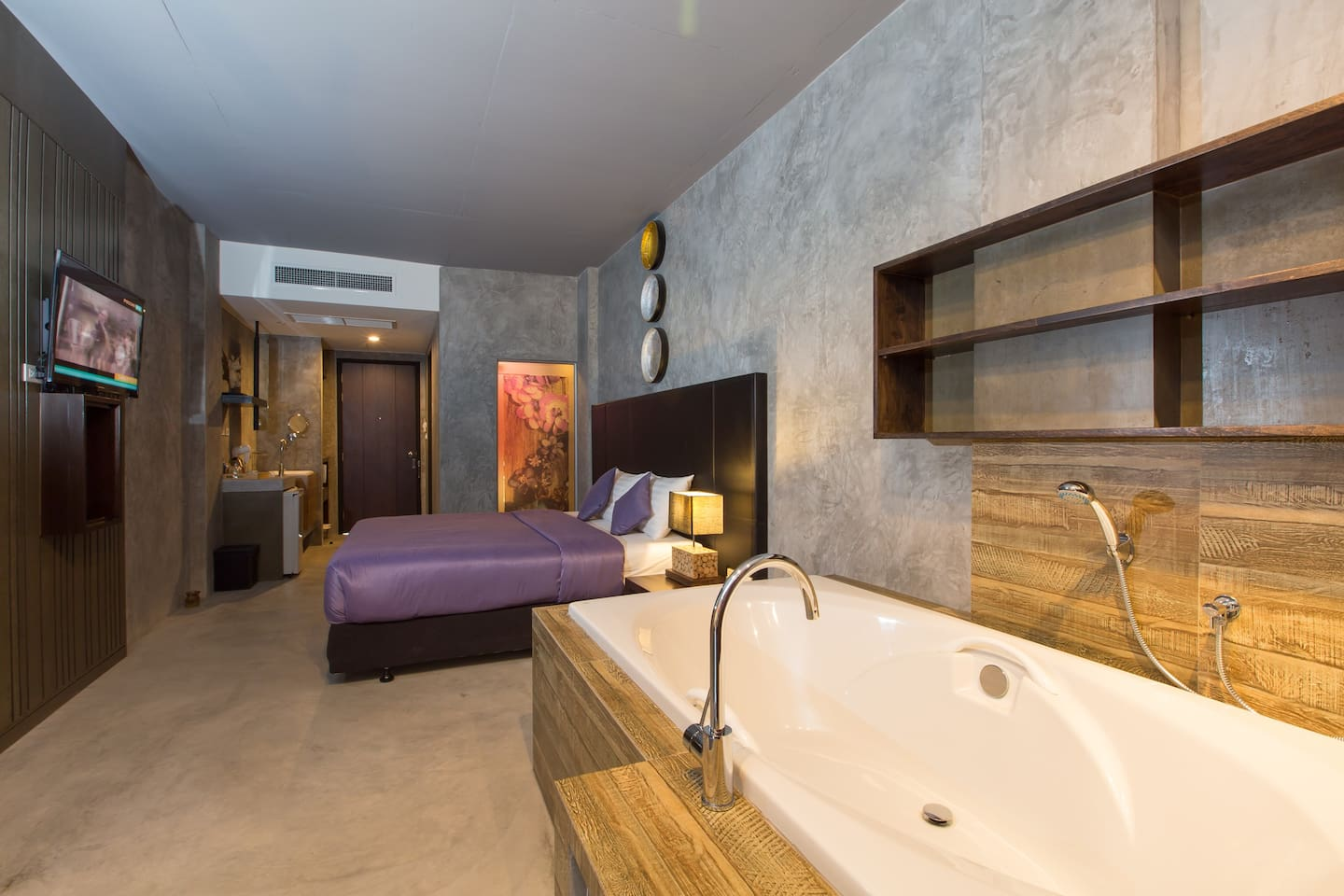 A superior king or twin designer room with bath ;