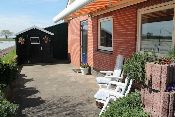 spacious 2p apartment in outdoor area West Brabant - Sprundel - Bungalow