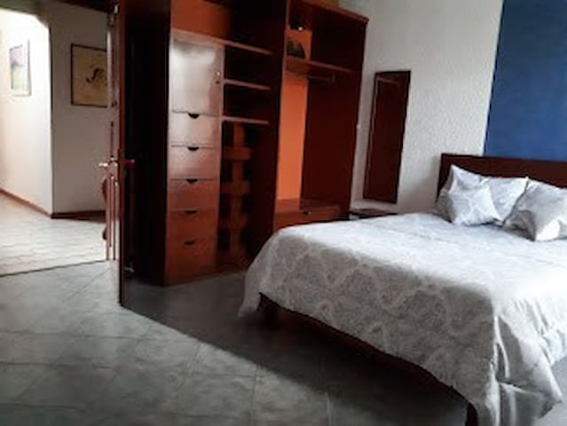 1 BEDROOM IN A HOUSE BETWEEN PUEBLA AND CHOLULA