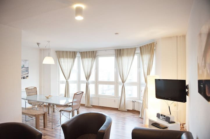 BIG APARTMENT-BEST PRICE IN THE CENTRE; H273
