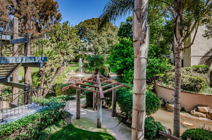 Carlsbad Condo Close to Beaches and Village!