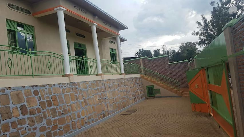 Enjoy Private Room At Amazing Price Here Kanombe