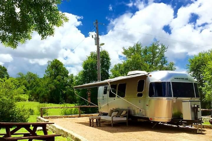 Airstream Serenity Trailer & Truck (Winter Only)