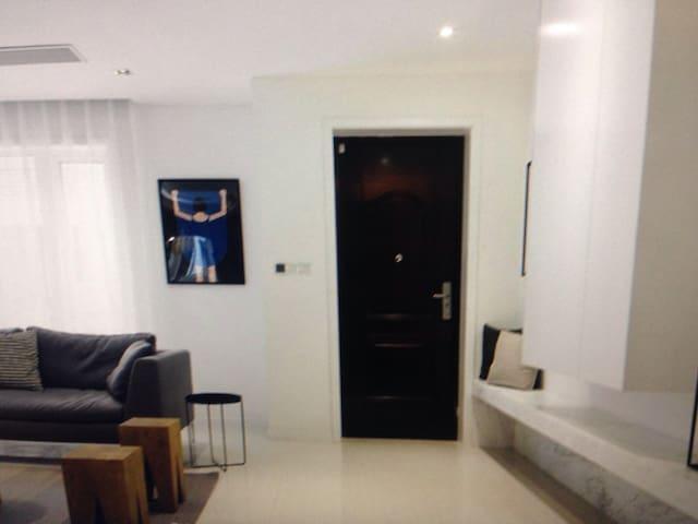Luxury Suites - 达德利 - Casa