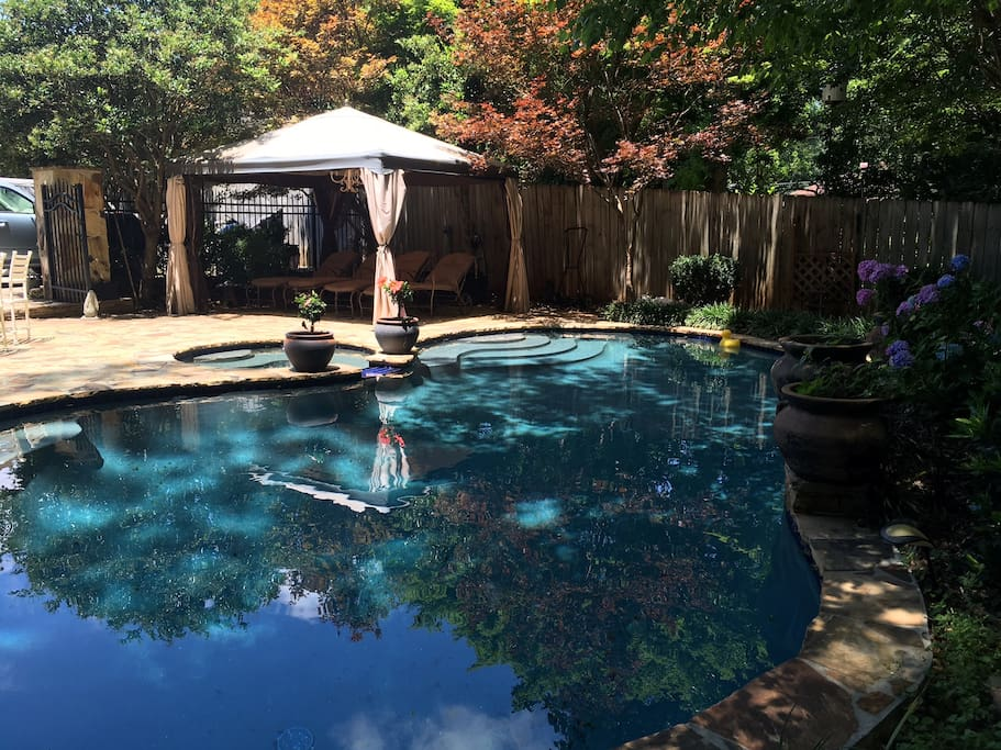 Free use of pool area