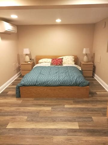 Bloomingdale DC Basement Apartment (sleeps 4!)