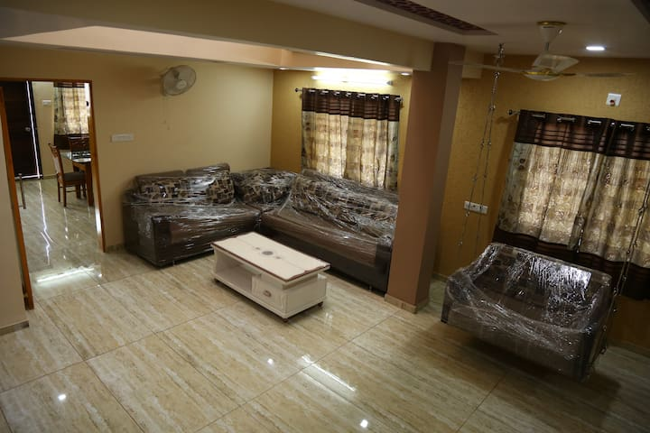 Sai Villa Apartment,Lavish Luxury stay with 4 M B