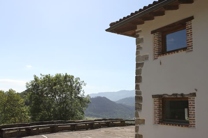 Rural Apartment, Mountain views close to the coast