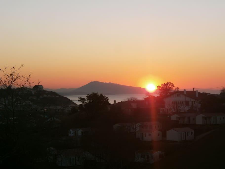 coucher de soleil automnal depuis la terrasse