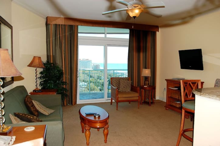 Horizon 902 Magnificent ocean views abound in beautiful condo with indoor/outdoor pools and lazy river!
