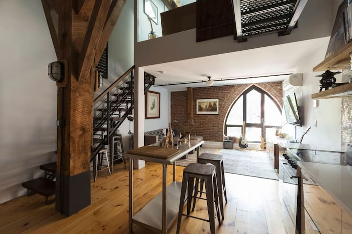 13 Stunning Apartments In New York: Stunning Brooklyn Loft In A Church!