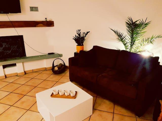 Sonnige Wohnung im Herzen des Tessins - Losone - Lägenhet