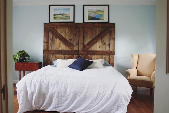 Stunning multi-room Master Suite on farm near UVA