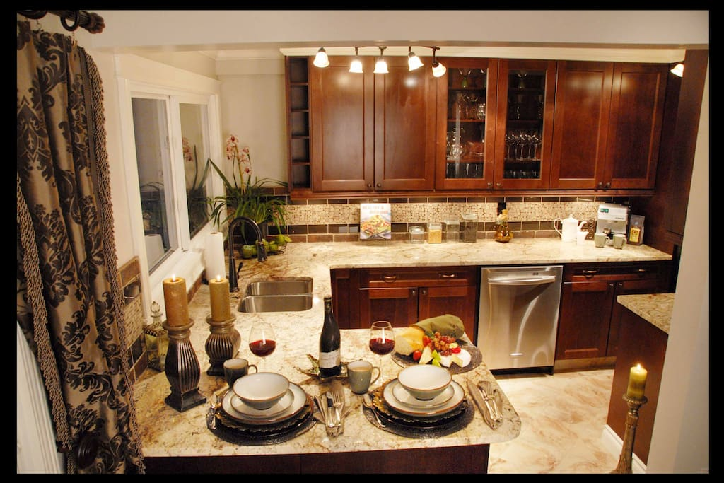 Amazing Gourmet Kitchen with all the equipment you will need!
