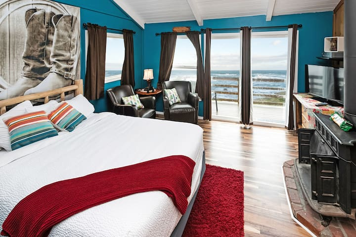 Cliff-Side Ocean View Room - Western Theme