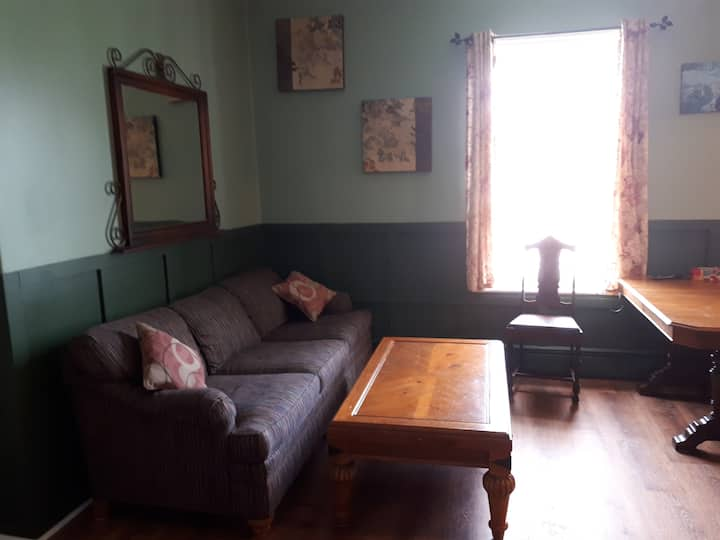 Cozy 3 Bedroom Near St Lawrence River