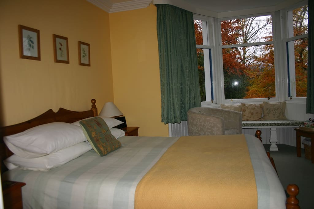 Double bedded room with king sized bed and en-suite bathroom