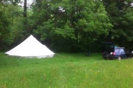 Hideaway riverside bell tent. - Llancloudy - Andet