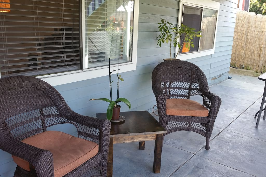 2 Bedroom Apartment By The Beach With Parking Guest Suites For Rent In San Diego California