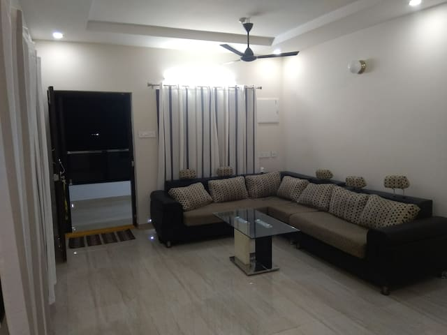 2nd floor 3BHK Apartment in Currency Nagar