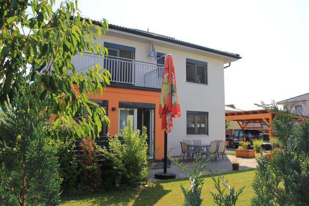 Modernes haus im s den von graz houses for rent in for Modernes haus graz