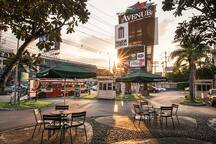 Take your coffee time at the Avenue Chaengwattana
