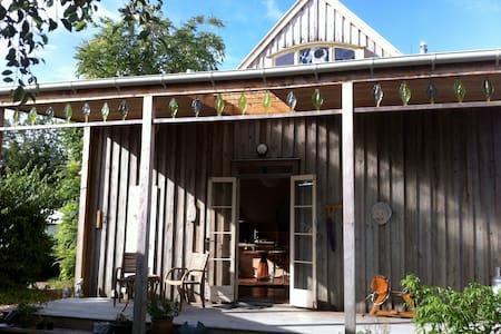 Mangawhai Waterfront Studio Apart. - Mangawhai