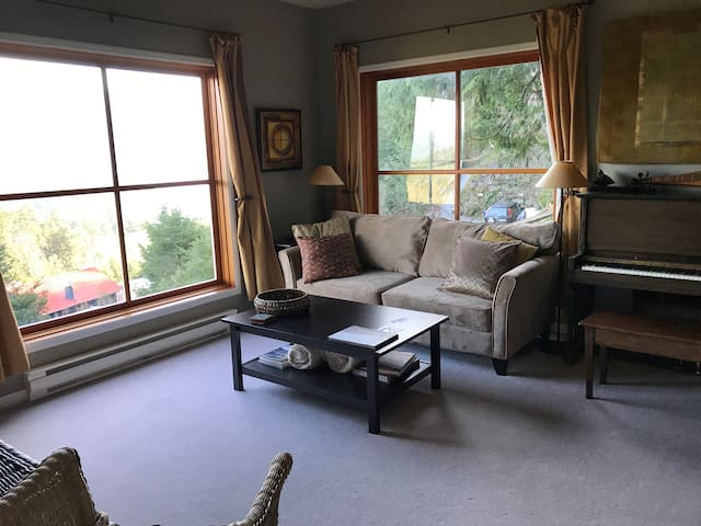 Main Floor Living room with sofa bed
