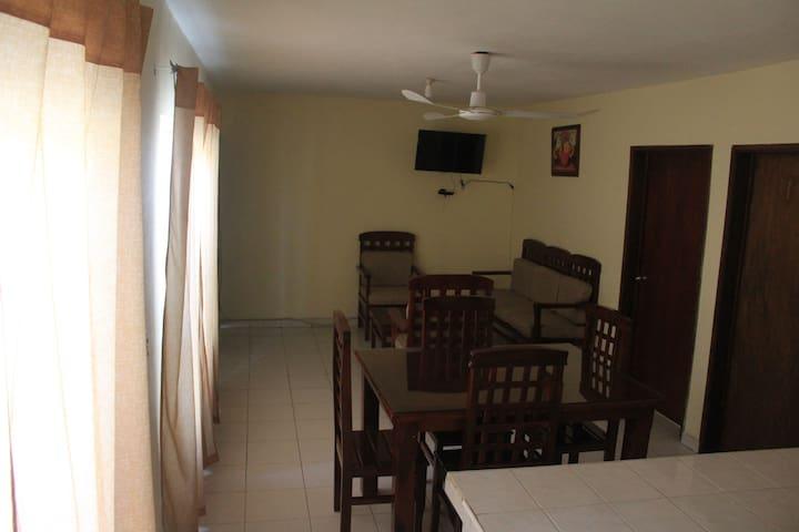 Vista de la sala y el comedor
