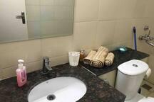 Comfortable homely Apt-3+1Bedroom, 3 Bath, Kitchen