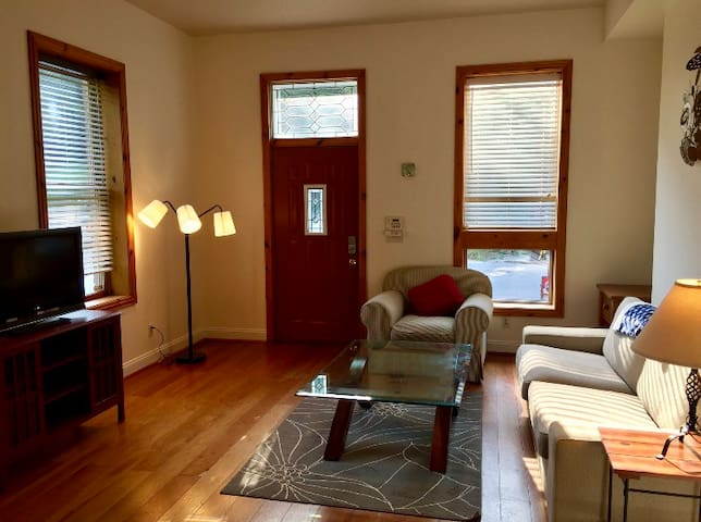 Convenient 2 BR 2 Full Bath with driveway