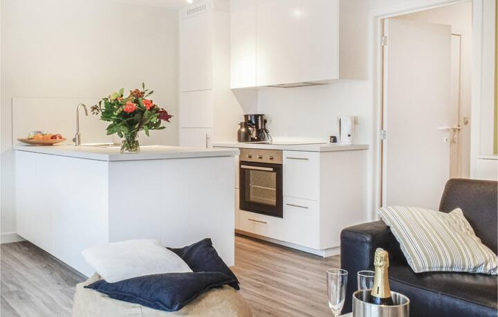 Holiday apartment with 2 bedrooms on 74m² in Oostende