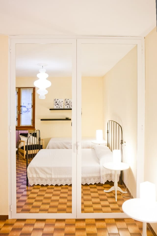 Appartamento con piscina o Bed & Breakfast