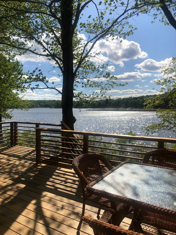 LAKEFRONT HOME with VIEWS from HUGE DECK!