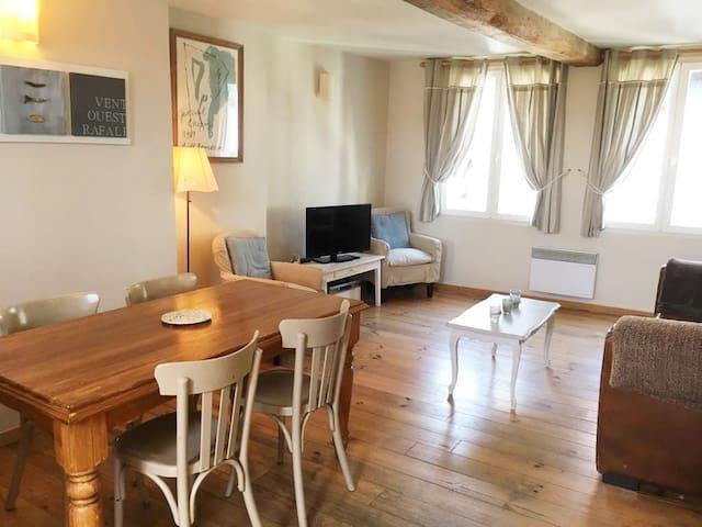Duplex cosy , vieux bassin  Draps & ménage inclus