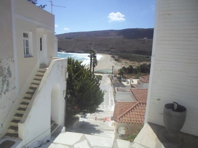 Cosy Hora house with beach view - Andros