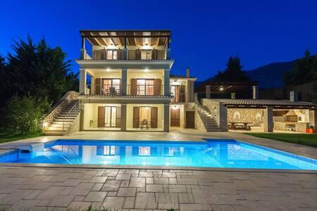Aspa's Verde Palazzo Luxury Villa - Argostoli