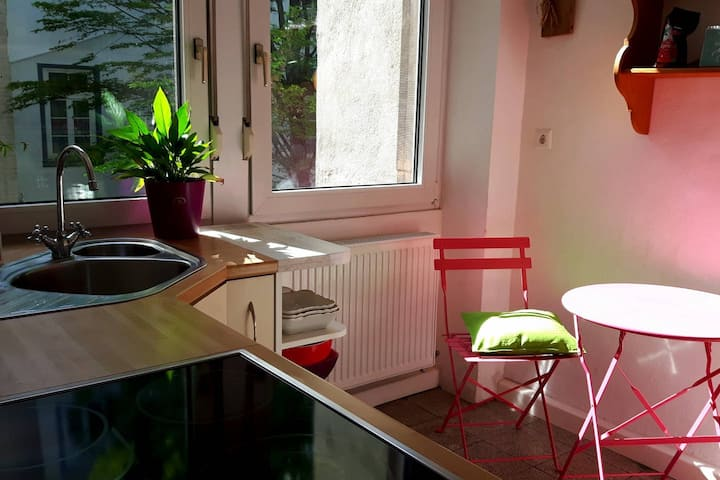 Cosy & calm: nice apartment in the inner city
