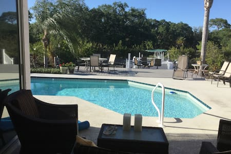 Private waterfront home with pool and kayaks - Tarpon Springs - Ház