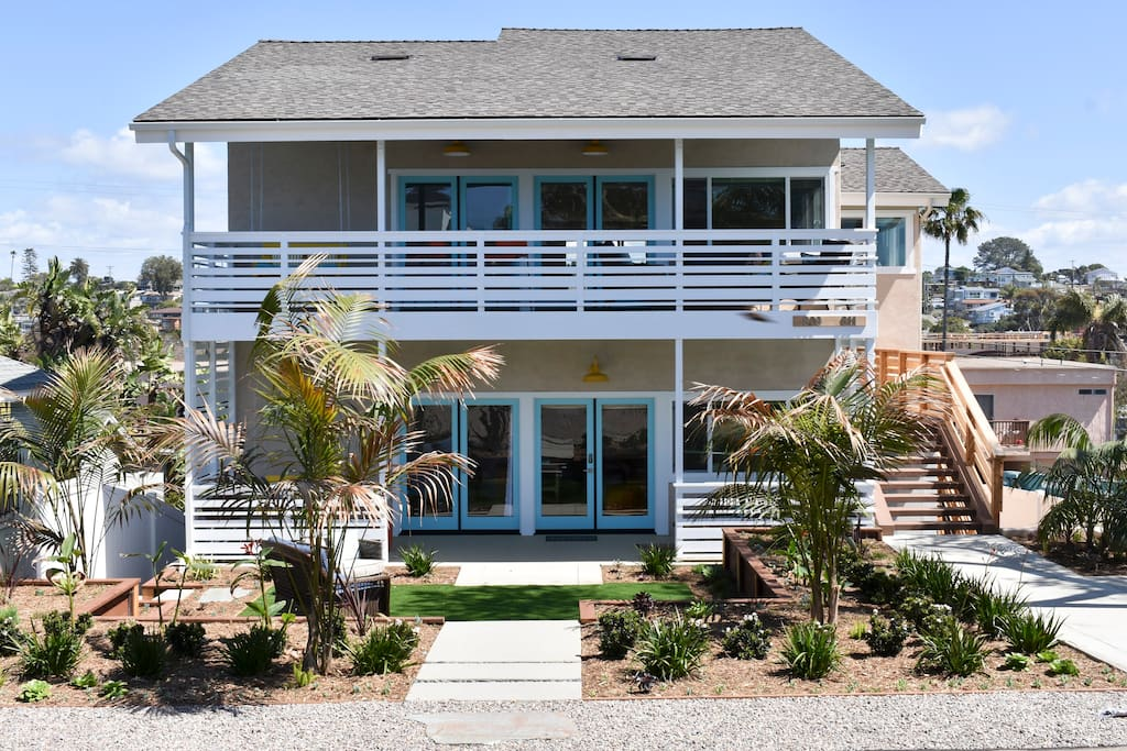 This is our brand new BEACH HAUS, which can open or shut into four separate units that weave in and out of eachother