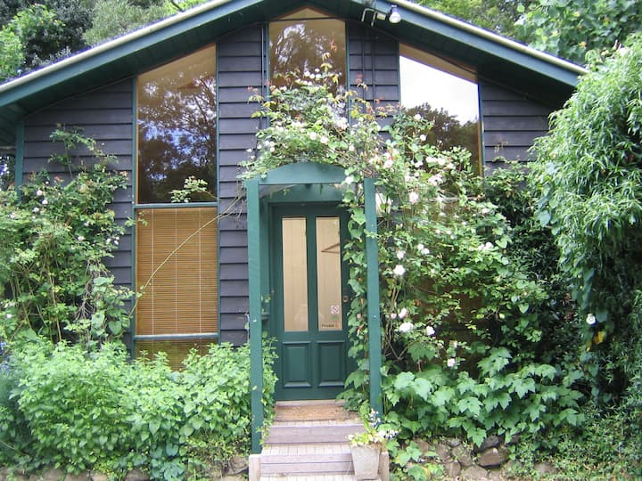 Forest Cottage - walk  to Marybrooke/Poets Lane