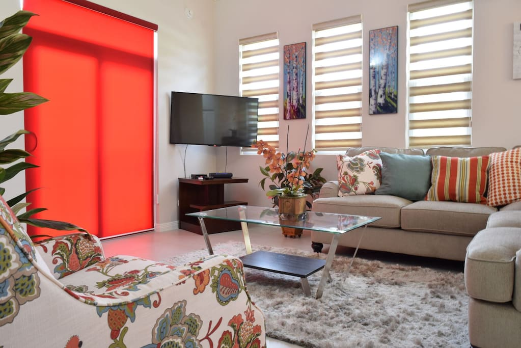 Kingston Jamaica Executive Vacation Rental - Living Room