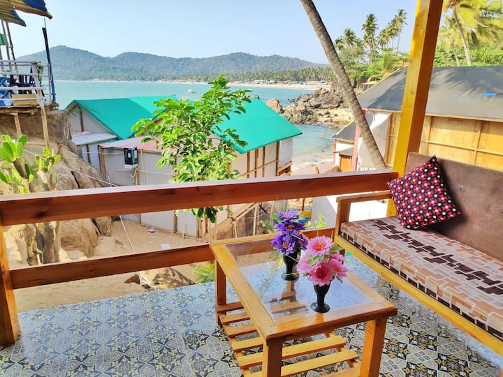 Oceanic sea view Cottage in Palolem beach