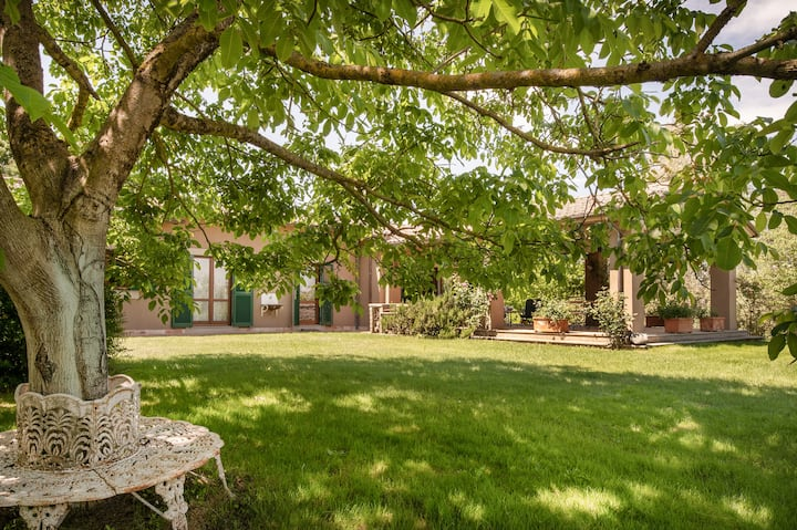 Country villa with swimming pool, Sutri.
