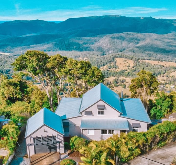 The Beechmont Chalet Hinterland Getaway