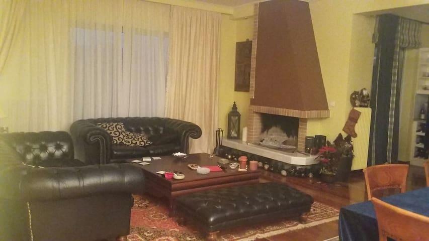 Άνετο  διαμέρισμα με παρκινγκ - Νέα Ερυθραία - Pis