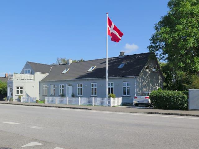 Guldborg Rooms - Guldborg - Guesthouse
