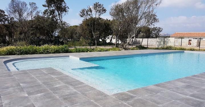 Villa expo sud, clim, piscine chauffée à Bonifacio