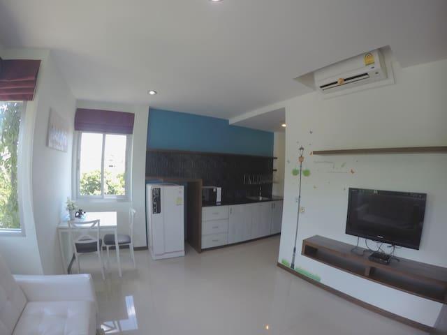 1 bedroom apartment (benjamas place)